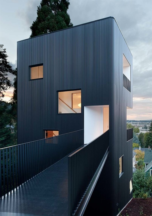 Tower House / Benjamin Waechter Architect, © Lara Swimmer