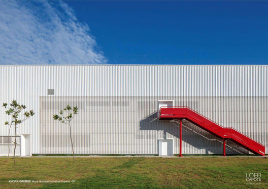 Courtesy of LoebCapote Arquitetura e Urbanismo