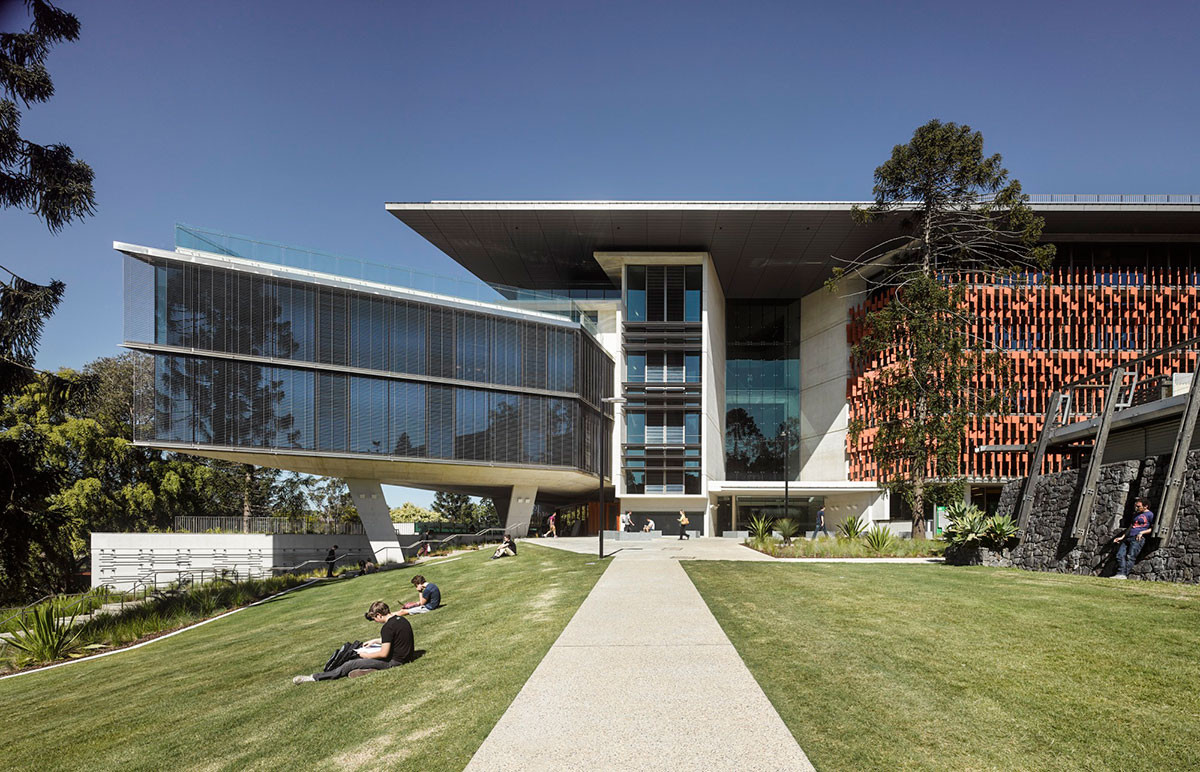 Advanced Engineering Building / HASSELL + Richard Kirk Architect | ArchDaily