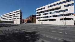 Edificios Institucionales de la Universidad de Kassel / ATELIER 30