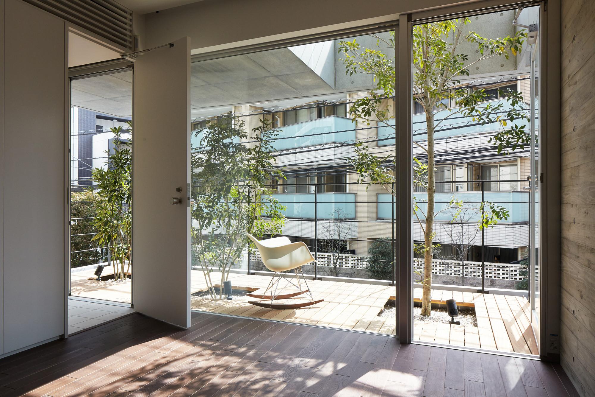 gallery of balcony house ryo matsui architects inc 9