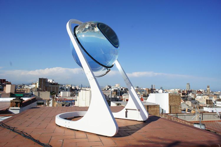 Rawlemon: gerador esférico que melhora em 35% a eficiência dos painéis solares, Cortesia de André Broessel / Rawlemon