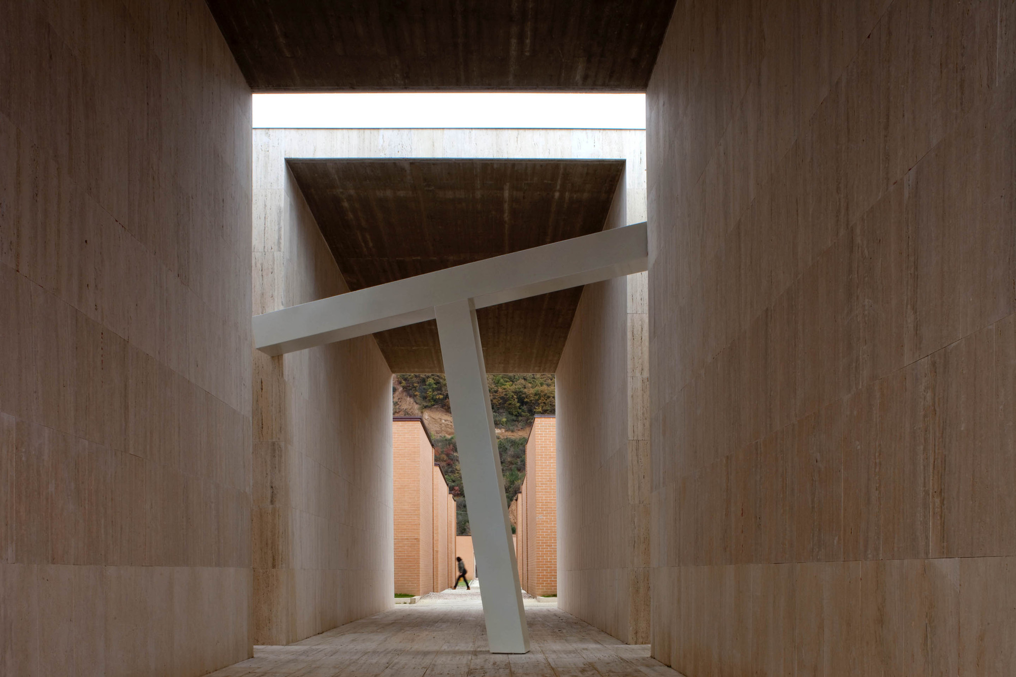Extension of Gubbio Cemetery / Andrea Dragoni + Francesco Pes , © Alessandra Chemollo_ORCH