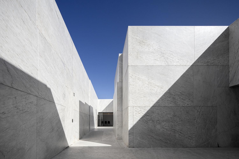 Mortuary Houses in Alhandra / Matos Gameiro Arquitectos, © Fernando Guerra I FG+SG