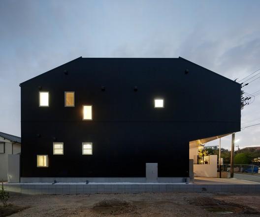 Hansha Reflection House / Studio SKLIM