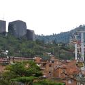 Boa arquitetura é suficiente para construir cidades melhores? O caso de Medellín.. Image Courtesy of www.colombiavida.com