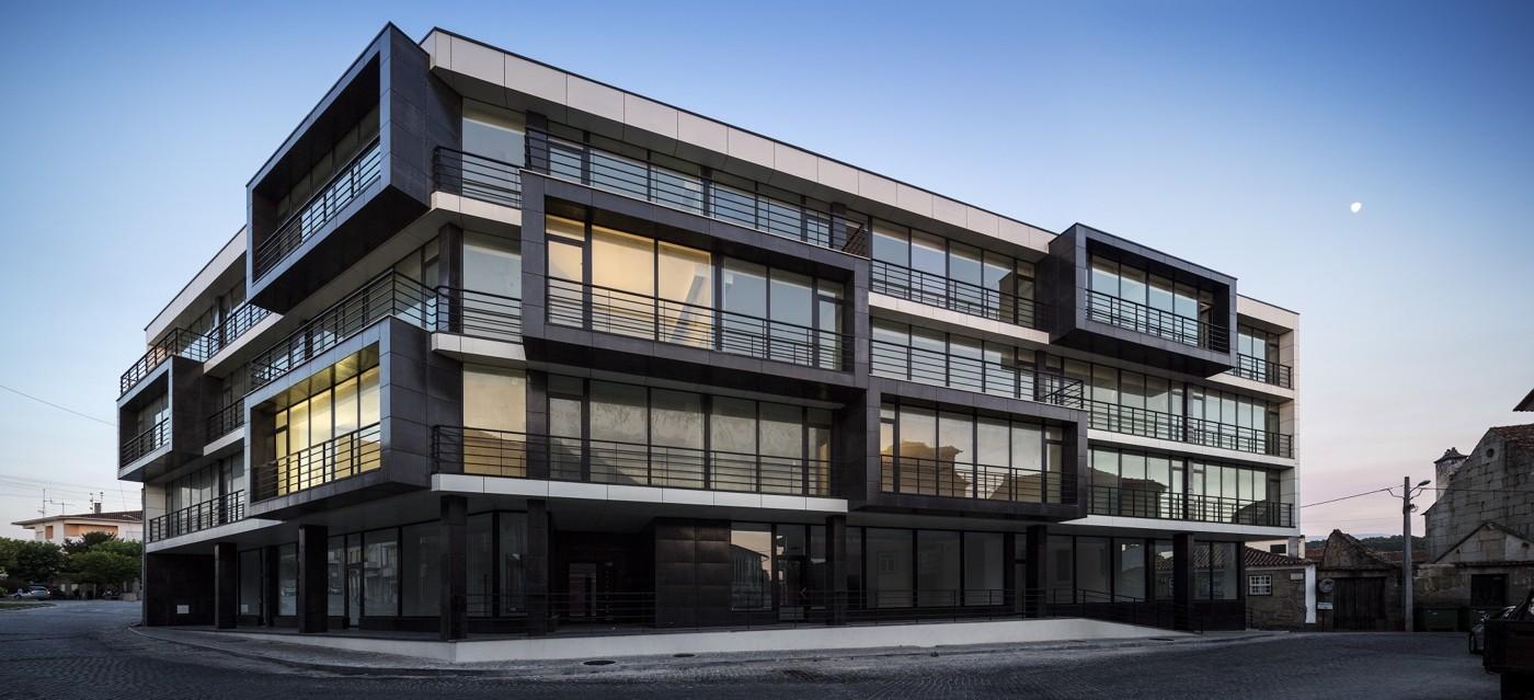Galeria De Edif 237 Cio Habitacional Vila Nova De Tazem Nuno Ladeiro Marco Martins 2