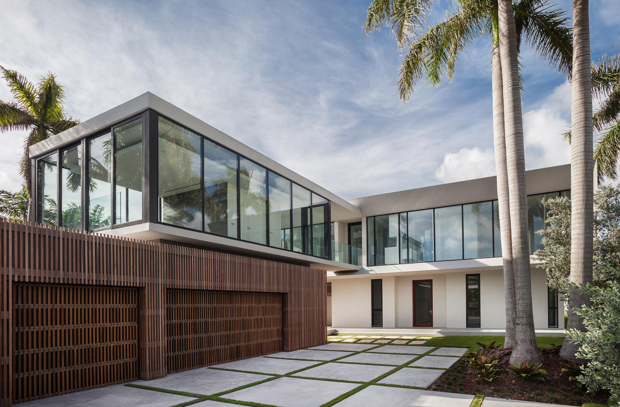 Contemporary Florida Villas