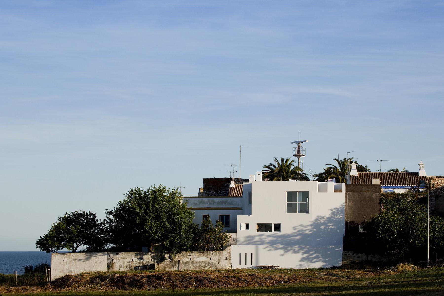 House in Cacela Velha / Victor Neves, © Fernando Guerra I FG+SG
