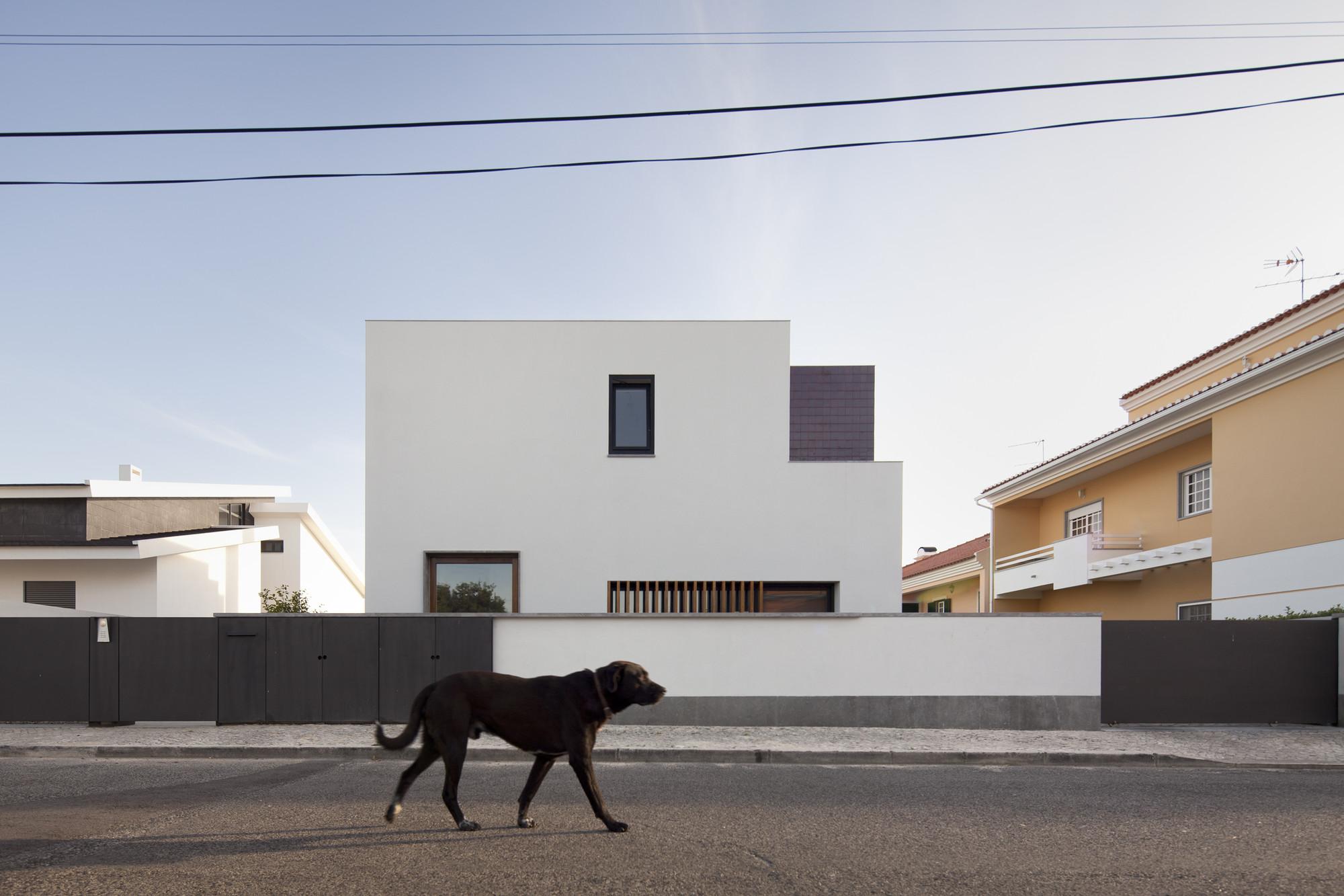 Casa em Pêro Pinheiro / brunosilvestreARCHITECTURE, © Fernando Guerra I FG+SG