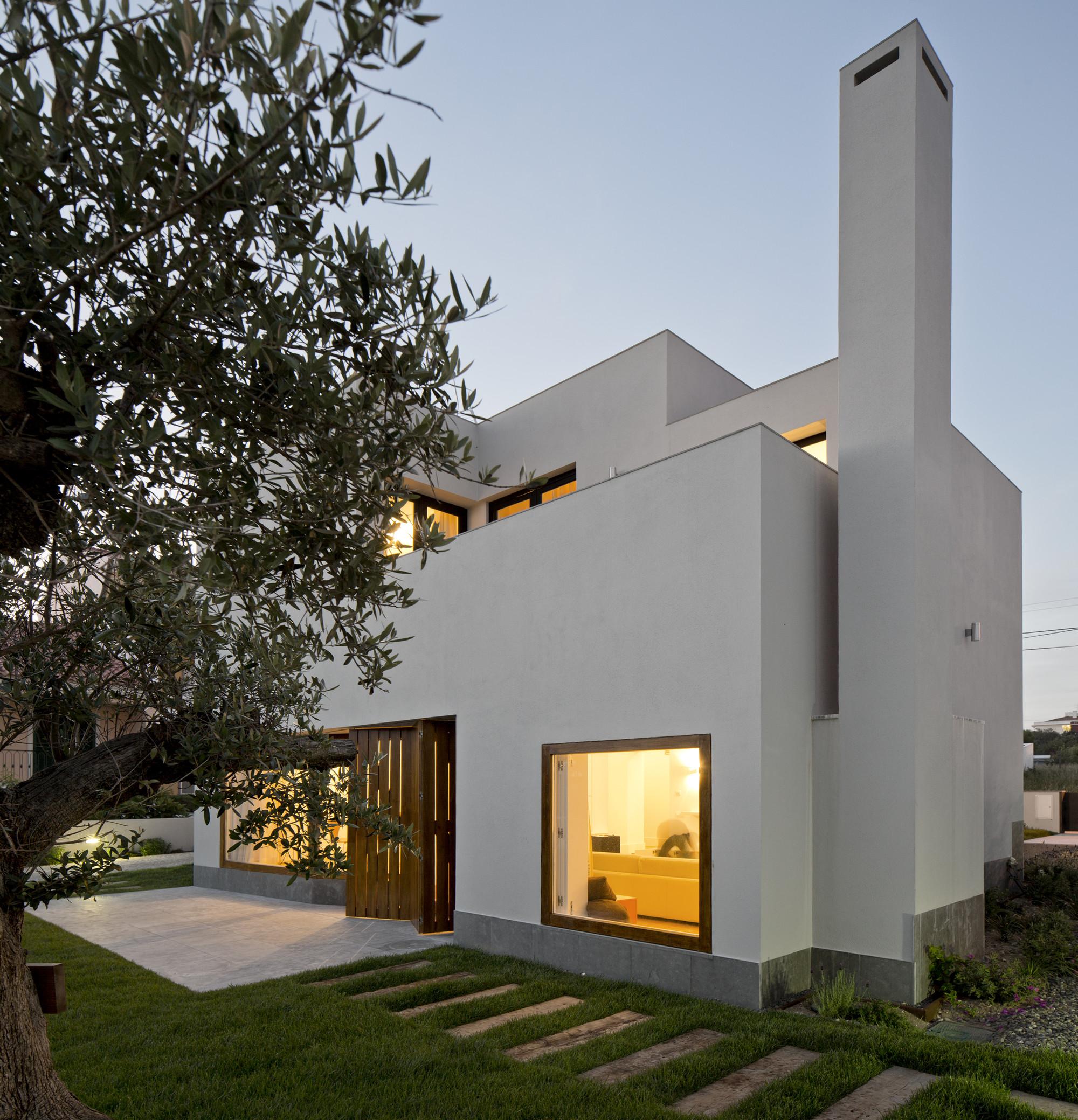 House in Pêro Pinheiro / brunosilvestreARCHITECTURE