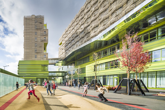 School Group and Student Housing / Atelier Phileas