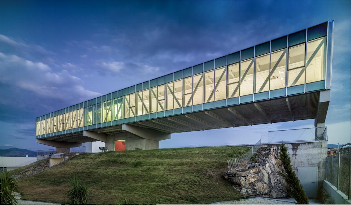 Ceticom ja n er arquitectos non arquitectura archdaily - Steel framing espana ...