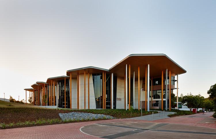Escola de Arquitetura Abedian / CRAB Studio, ©  Peter Bennetts