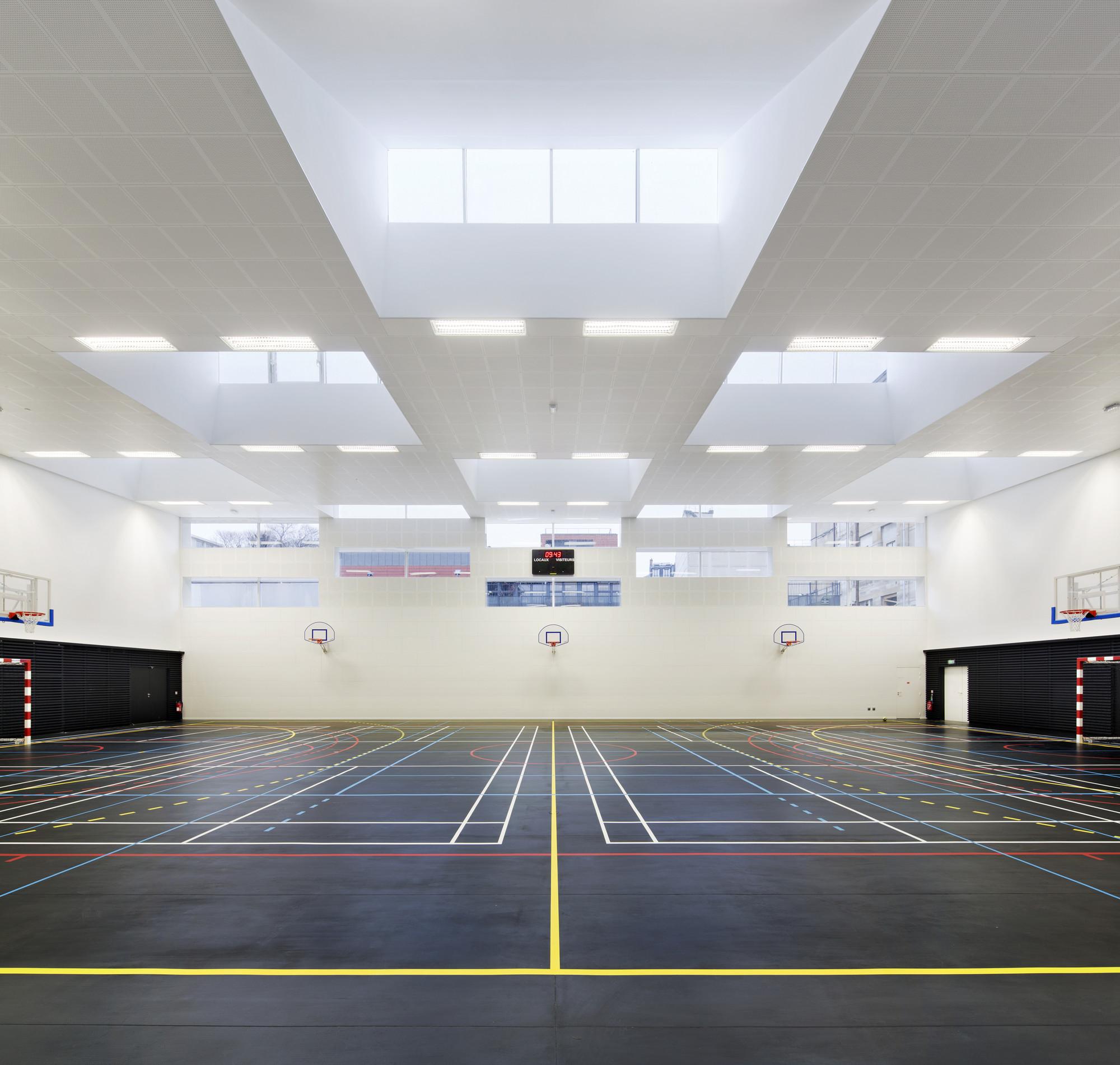 Marie Paradis Gymnasium / Explorations Architecture, Igrec Ingénierie, © Michel Denancé