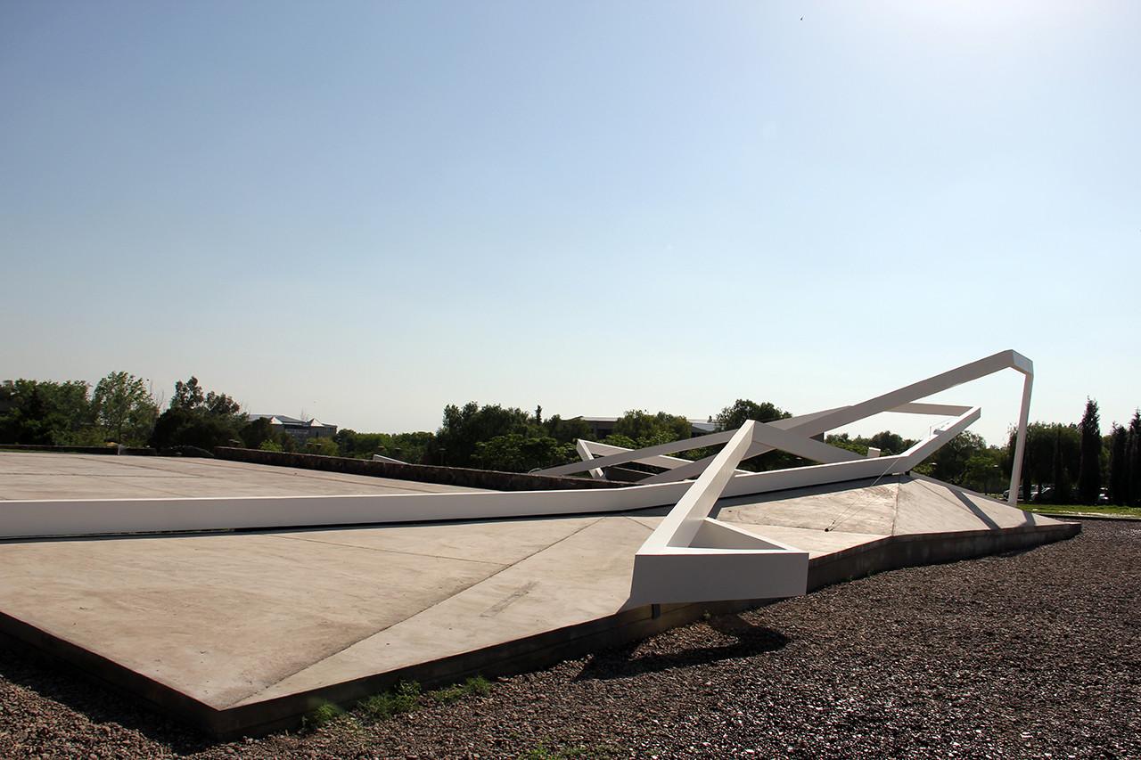 EHH / Escultura Horizontal Habitable por ARQUINOMA, © Cortesía de ARQUINOMA