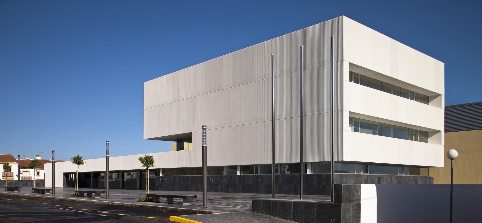 Moron De La Frontera Courts / Daroca Arquitectos, © Fernando Alda