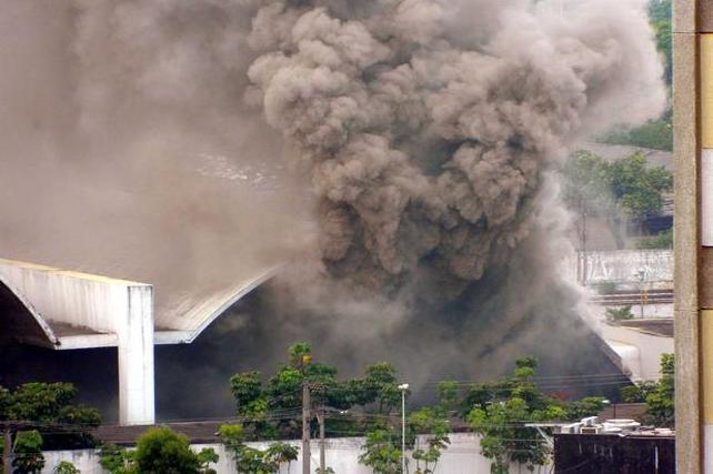 Incendios: la constante amenaza a nuestro patrimonio arquitectónico, Memorial de América Latina de Oscar Niemeyer en Sao Paulo. Image © Tedy Colombini / vc repórter