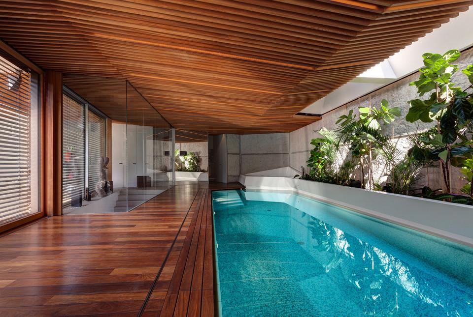 Home spa archdaily - Piscinas interiores pequenas ...