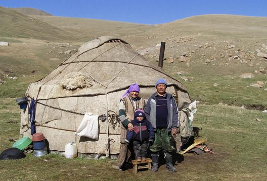Arquitectura Vernácula: Yurtas, Viviendas Nómades en Mongolia ...