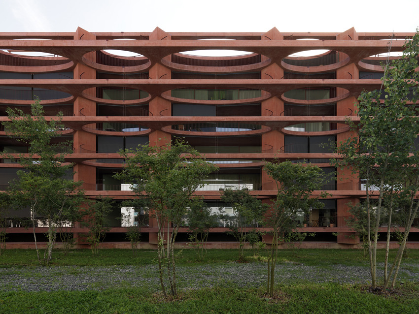 Residential Building Zug Schleife / Valerio Olgiati, © Javier Miguel Verme