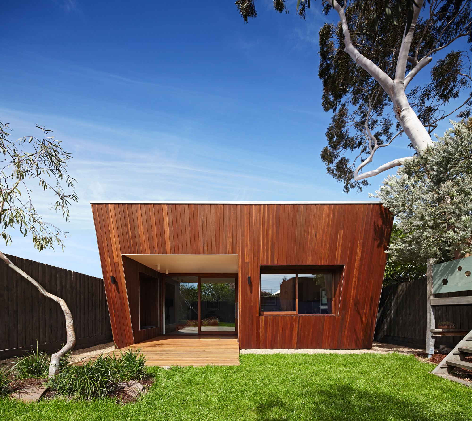 Thornbury House / Mesh Design, © Peter Clarke