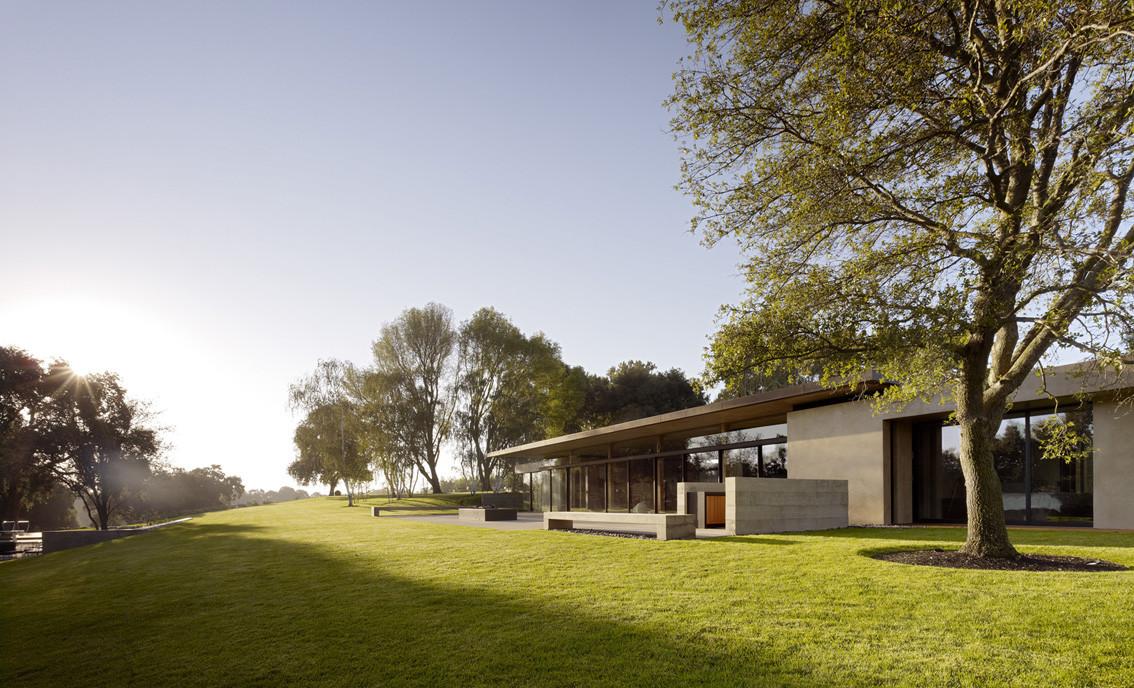 San Joaquin Valley Residence / Aidlin Darling Design, © Matthew Millman