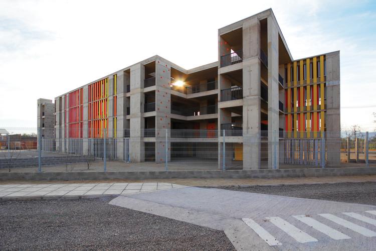 School San Andres El Bosque / Gubbins Arquitectos, © Pedro Mutis  Johnson