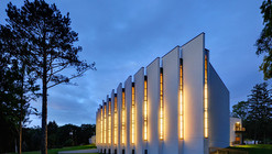 Korean Presbyterian Church / Arcari + Iovino Architects