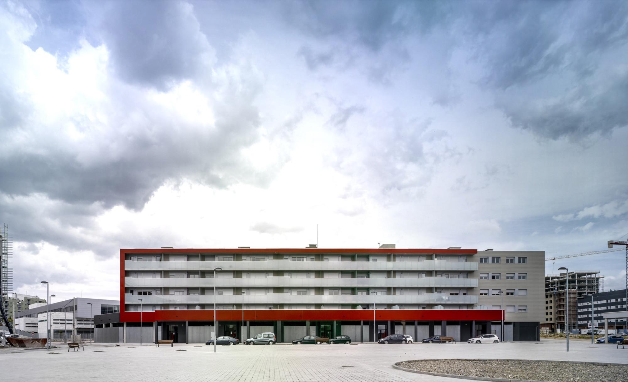 44 Social Housing Units  / Cristina Argos Moras, María Loriente López, © Jesús Granada