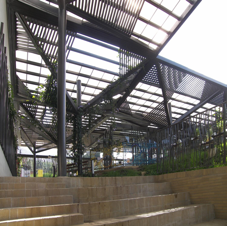 Gallery of el pinal nursery felipe bernal henao javier for Andalue jardin infantil
