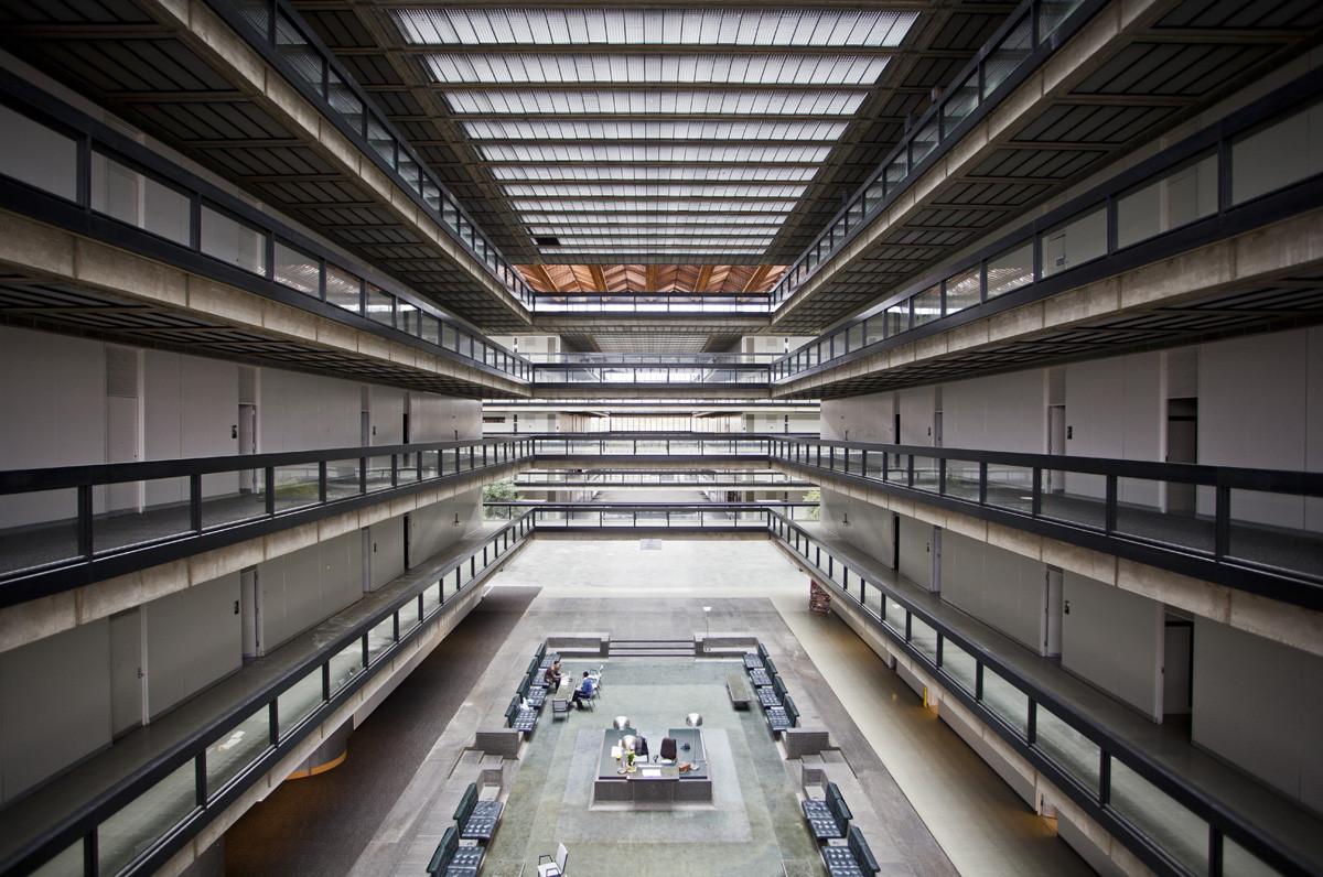 Photos of Eero Saarinen's Abandoned Bell Labs, © Rob Dobi