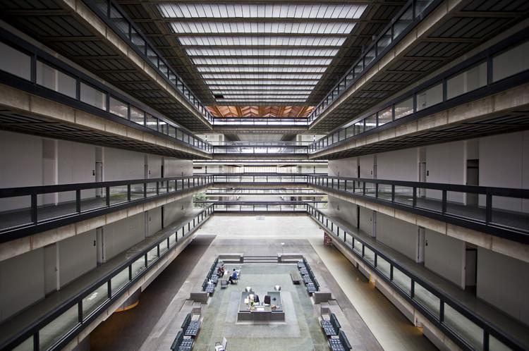 Fotografias  dos Laboratórios Bell, de  Eero Saarinen, © Rob Dobi