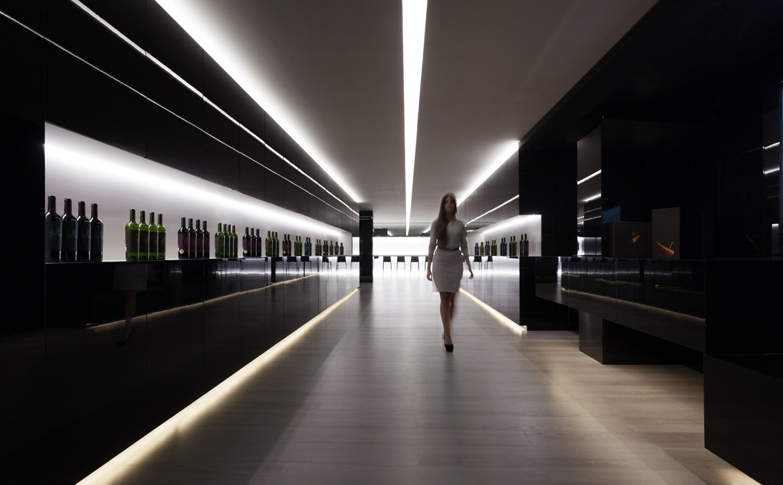 Vegamar Seleccion Wine Shop / Fran Silvestre Arquitectos, © Diego Opazo