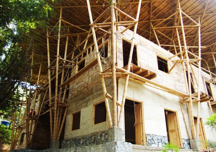 Cali, Colômbia: Escola de bambu inicia campanha para finalizar sua construção, © Greta Tresserra