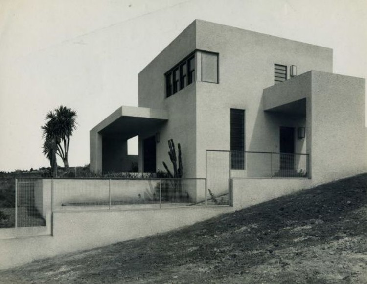 Centro Universitário Maria Antonia promove visitas às construções modernas de Warchavchik , Casa da Rua Itápolis, 1930. Acervo Família Warchavchik