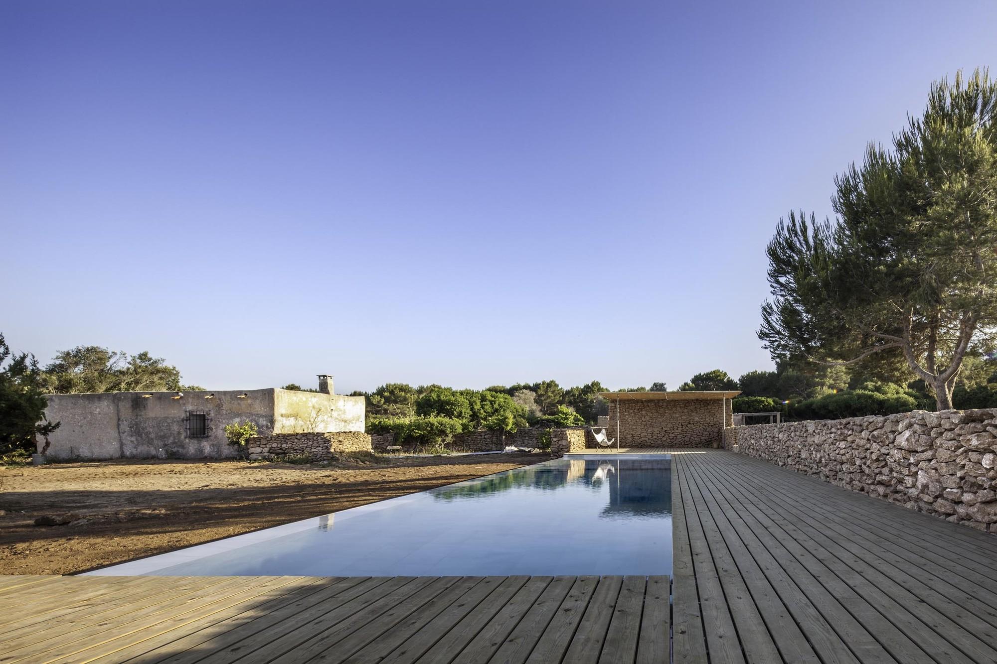 Arquitectura y Paisaje: Piscina en Formentera por Marià Castelló ...