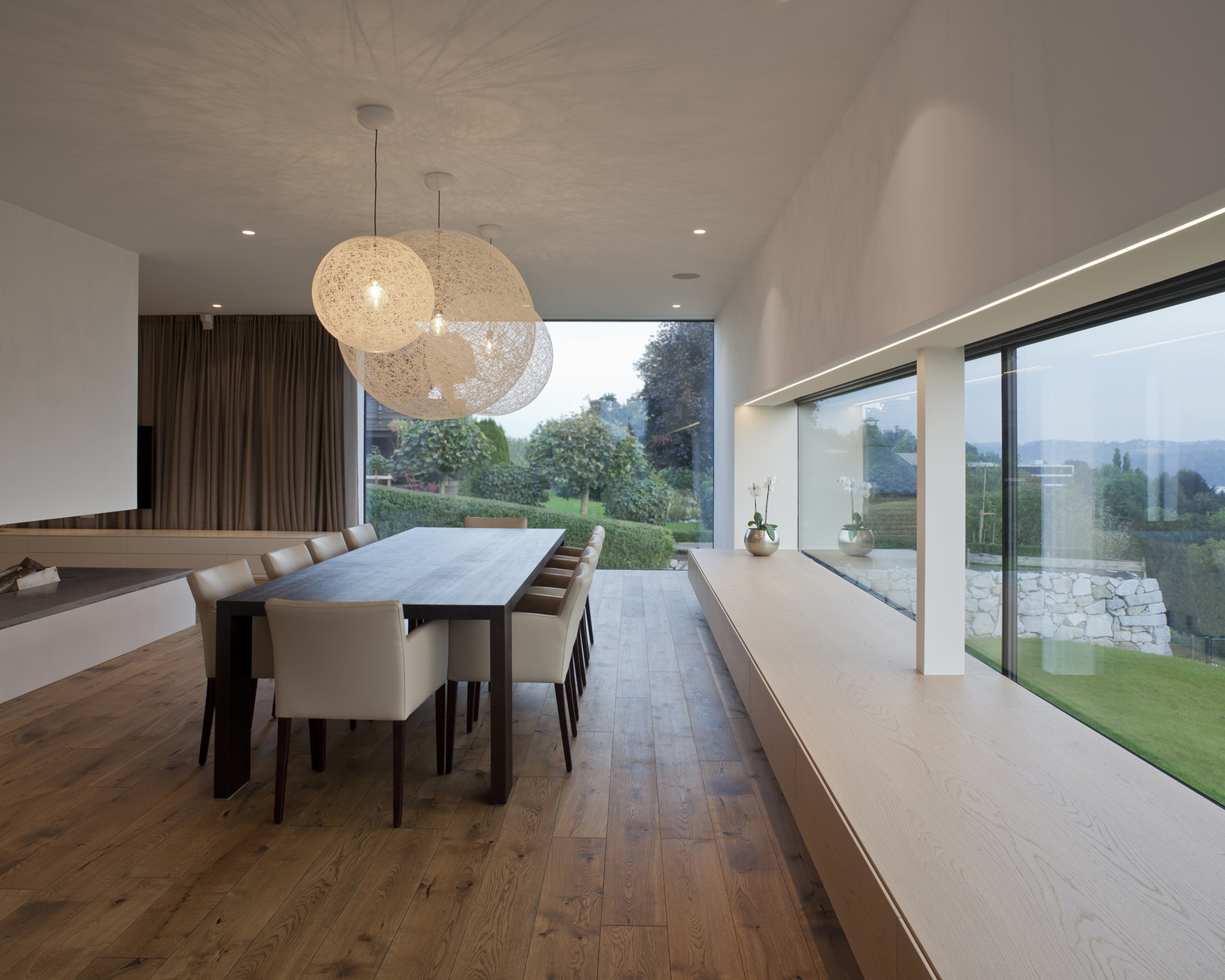 Gallery of house p frohring ablinger architekten 9 for Moderne esszimmer