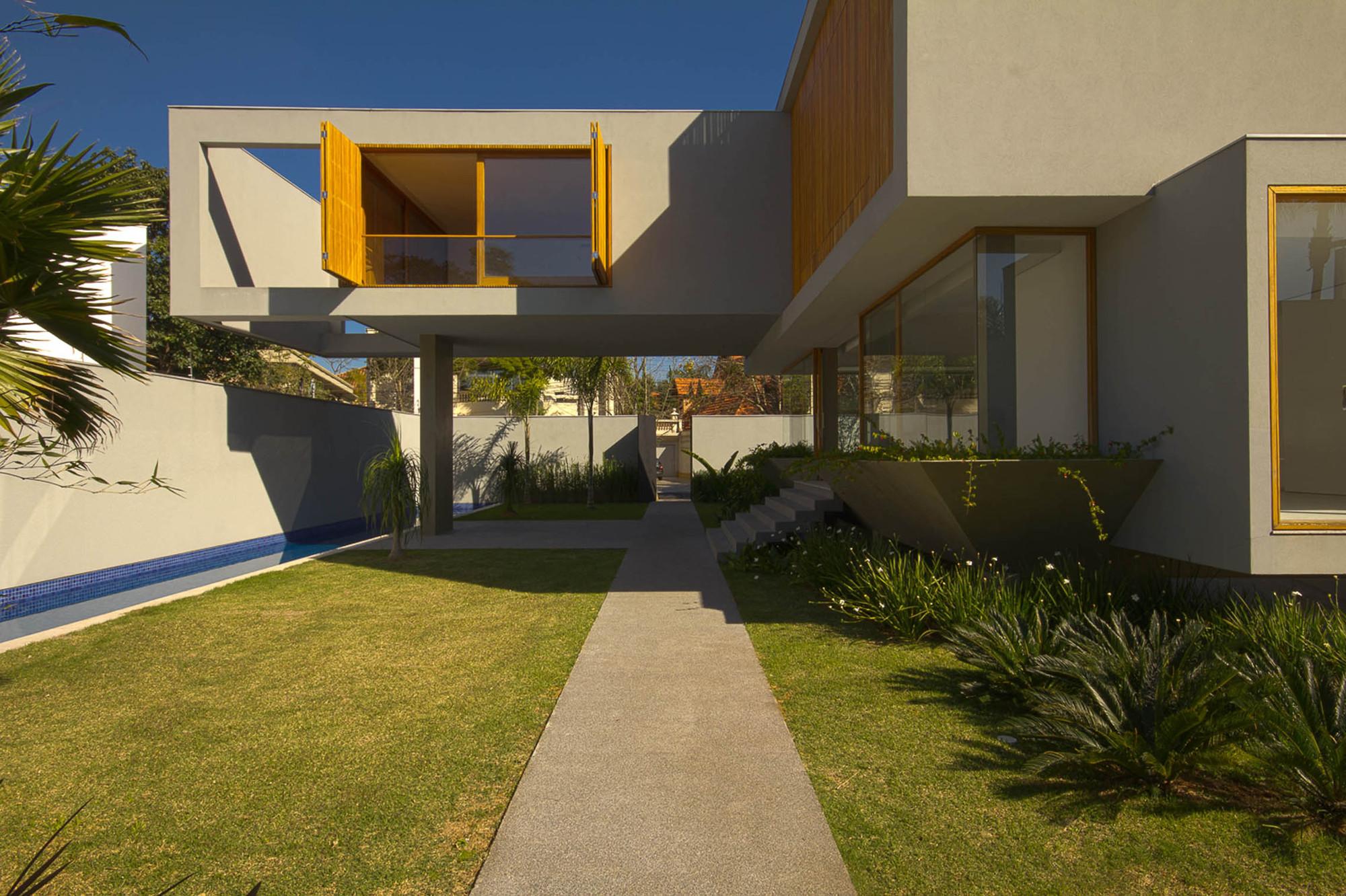 Residencia Pureus / Gustavo Beber