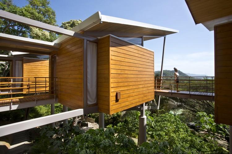 Casa Flotanta / Benjamin Garcia Saxe Architecture, © Garcia Lachner photography