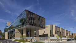 UC Lab School – Earl Shapiro Hall / Valerio Dewalt Train Associates, FGM Architects