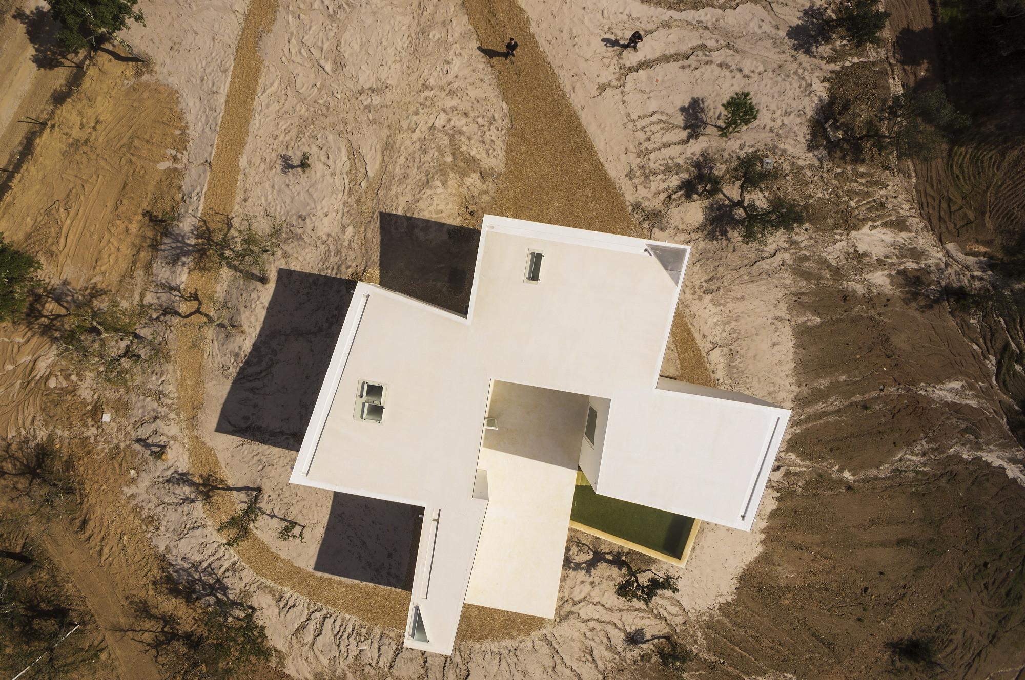 Patio Floor Plans Casa Em Fontinha Manuel Aires Mateus Sia Arquitectura