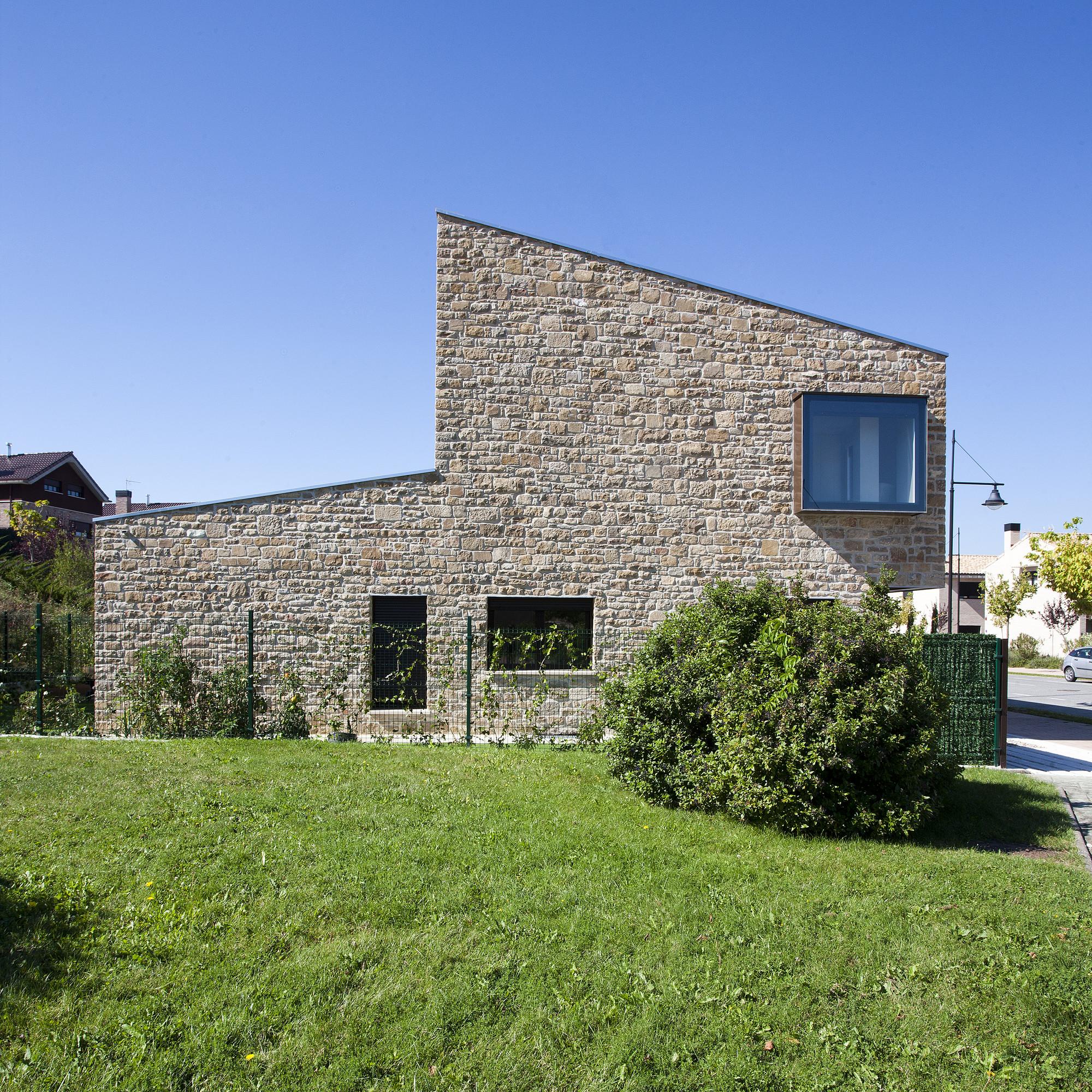 Casa DG / Iñigo Esparza Arquitecto + M. Asun Osés Alonso