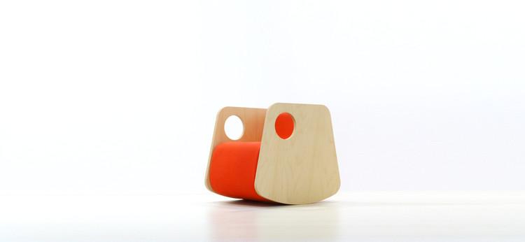 Cadeira de Balanço ME / Estudio ji arquitectos, Cortesia de Estudio Ji