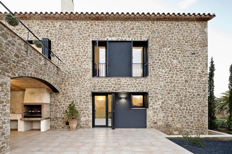 Casa del Empordà / Núria Selva Villaronga, © Adrià Goula Sardà