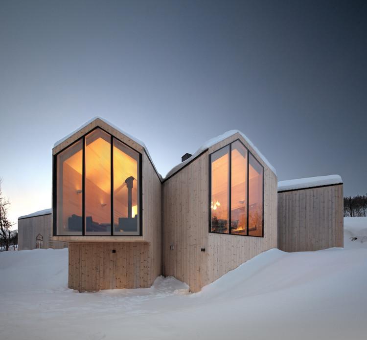 Lodge de Montaña con Vistas Divididas / Reiulf Ramstad Arkitekter, © Søren Harder Nielsen