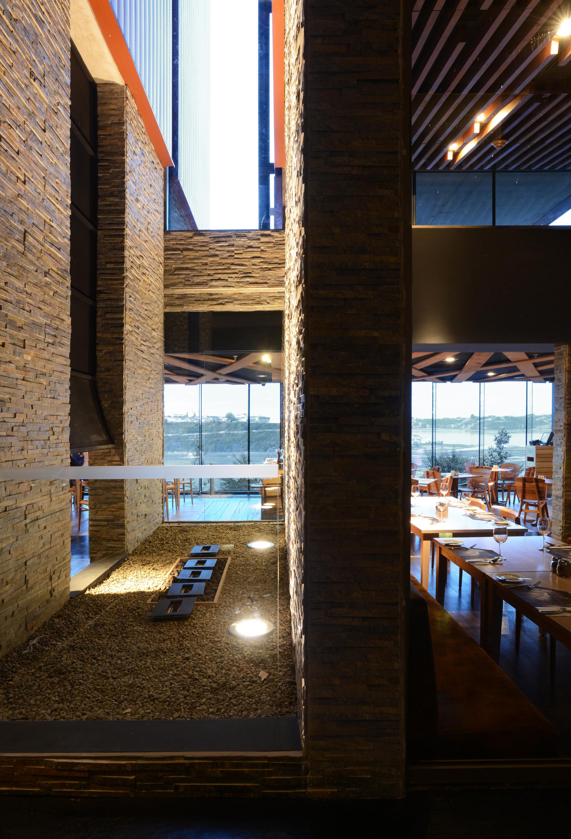Galeria de hotel de la isla estudio larrain 7 - Hotel la garriga de castelladral ...