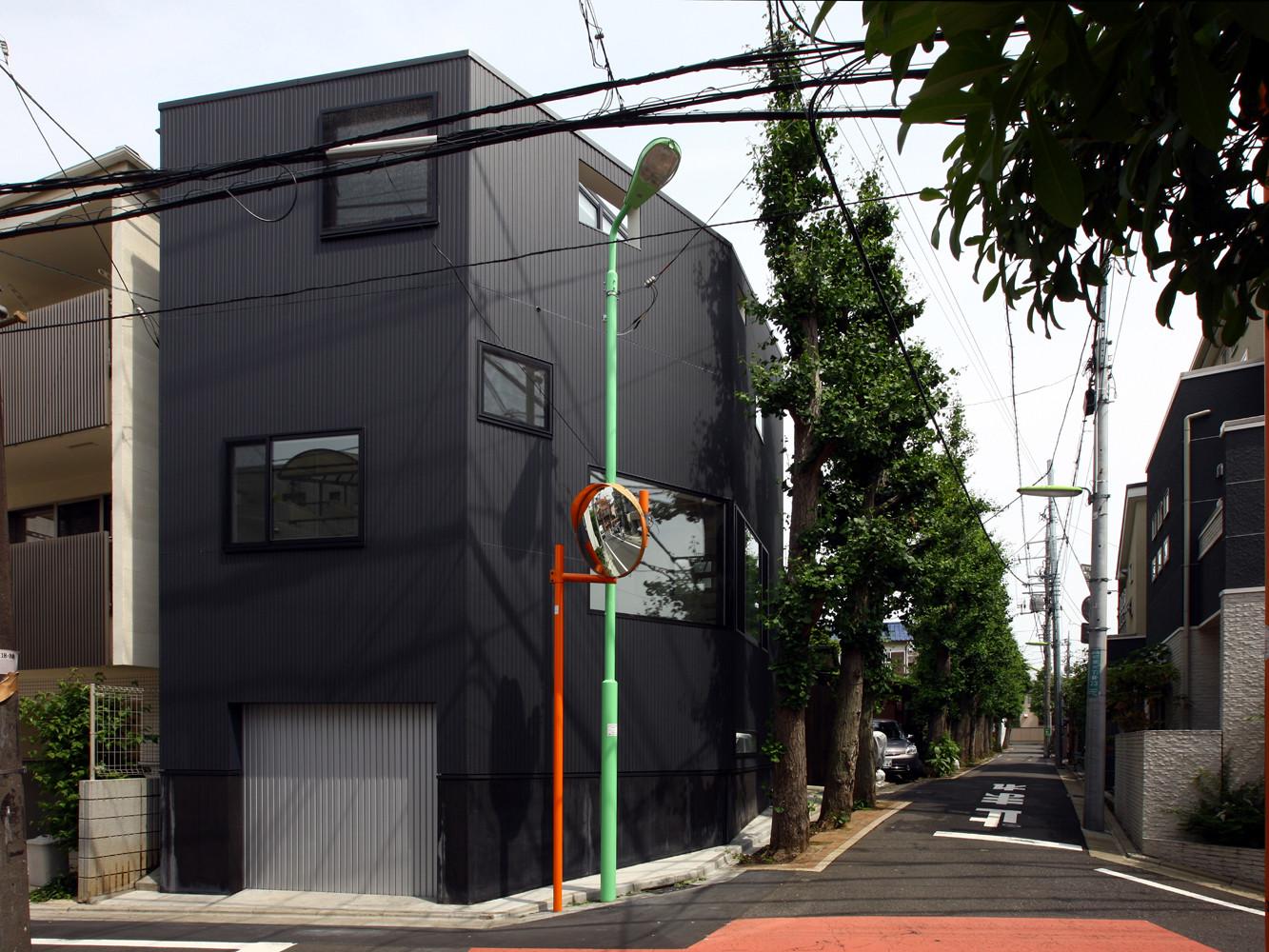 House at Matsubara / Atelier HAKO Architects , © Shinsuke Kera/Urban Arts