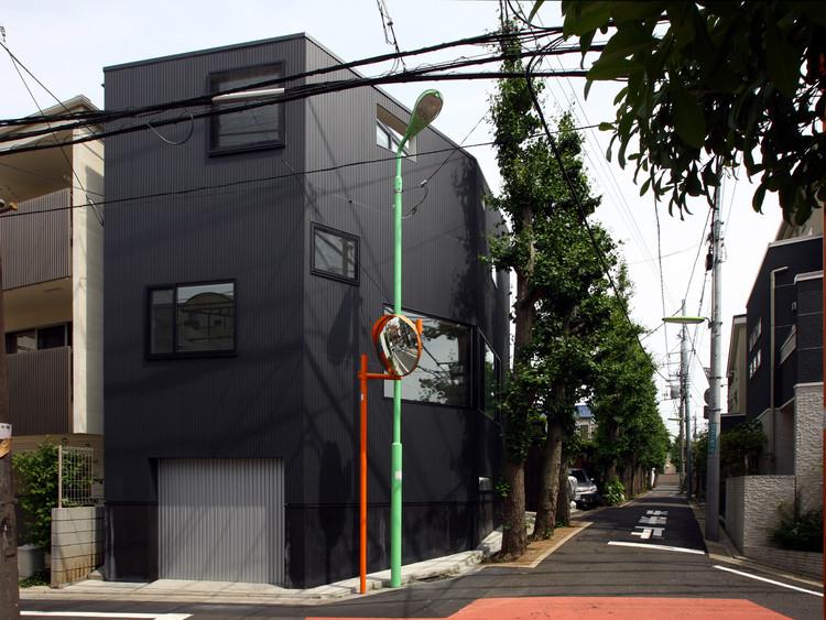 Casa en Matsubara / Atelier de Arquitectos HAKO , © Shinsuke Kera/Urban Arts
