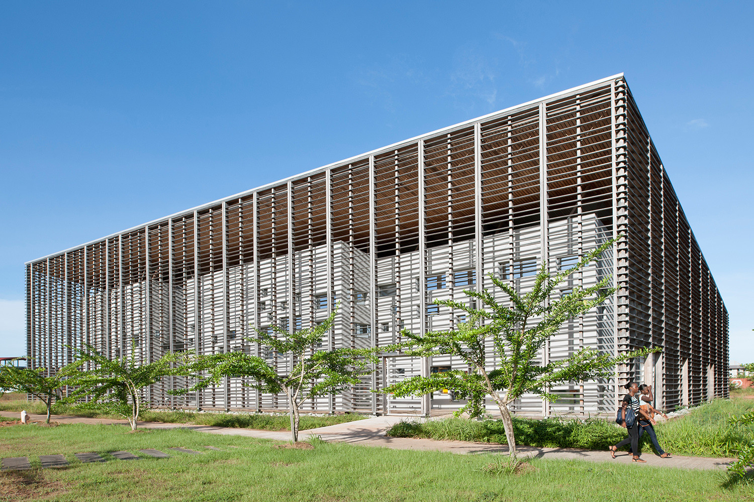 New University Library in Cayenne / rh+ architecture, © Jean-Michel André